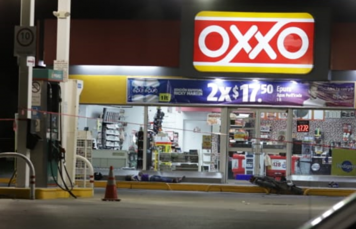 Lo ejecutan frente a su familia afuera de un oxxo en Juárez