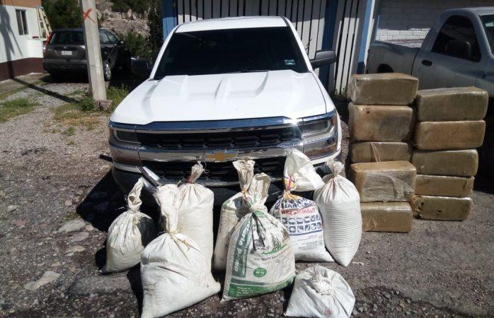 Aseguran 200 kg de marihuana y pick up robada en Uruachi