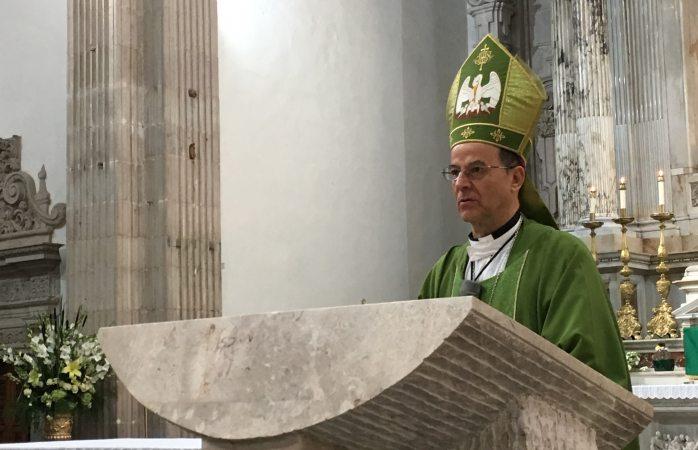 En la iglesia no debe haber categorías: arzobispo