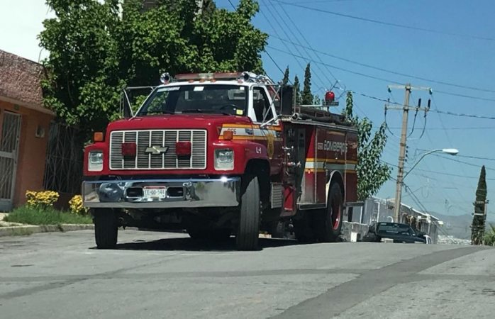 Usan vehículos chatarra para realizar maniobras de rescate
