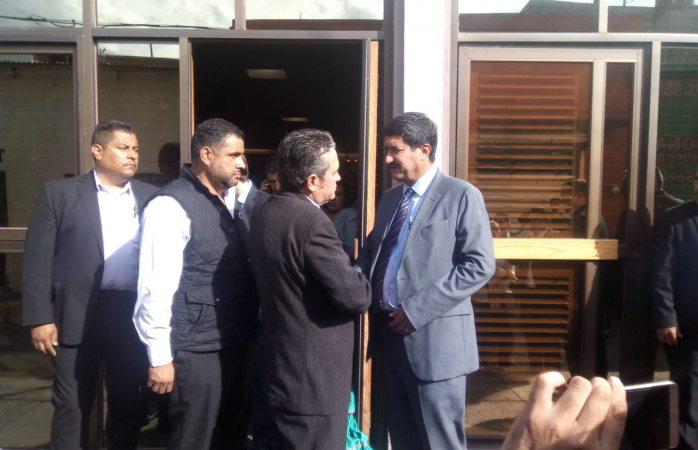 Se reúne Gobernador con familia de empresario asesinado