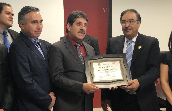 Entrega congreso reconocimiento al Tec I por conmemoración de 70 años