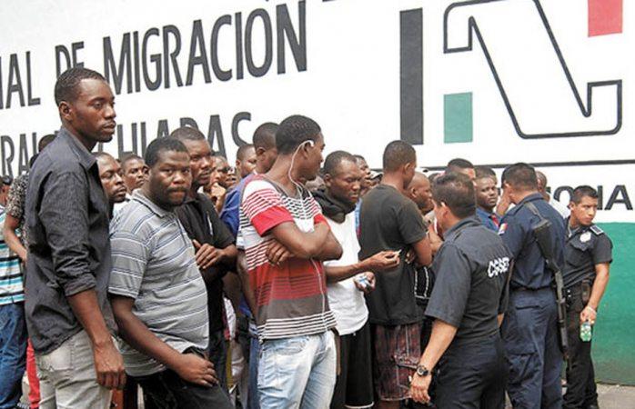 Migrantes africanos dicen que México es más racista que EU