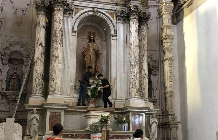 Limpian catedral previo a vigilia pascual