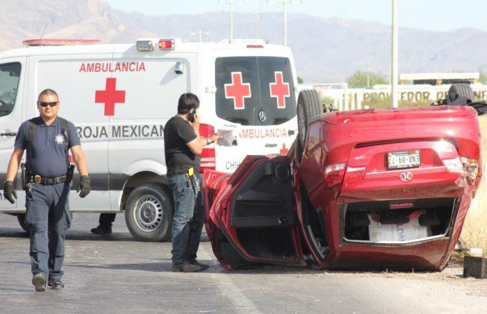 Vuelca en carretera Delicias-Chihuahua y sale ileso