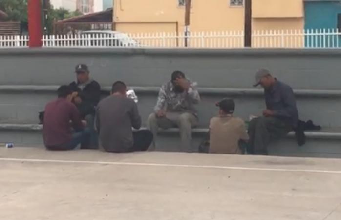 Destierran drogadictos a familias en la alberca de santo niño
