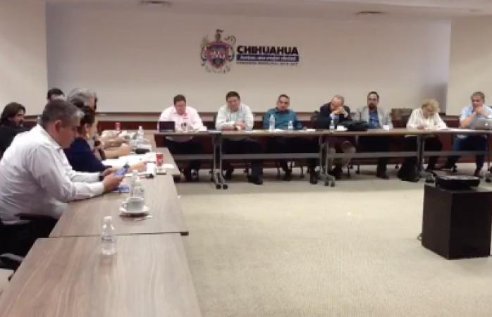 Truena votación de iluminemos Chihuahua en comisiones