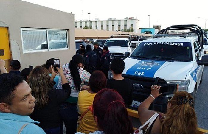 Protestan familiares de internos en el cereso de Juárez