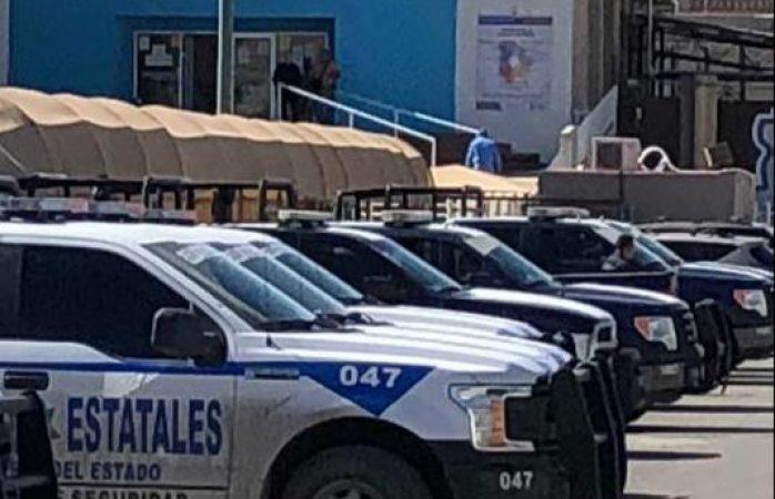 Ahora en Juárez: aterriza avión federal y sitian cereso