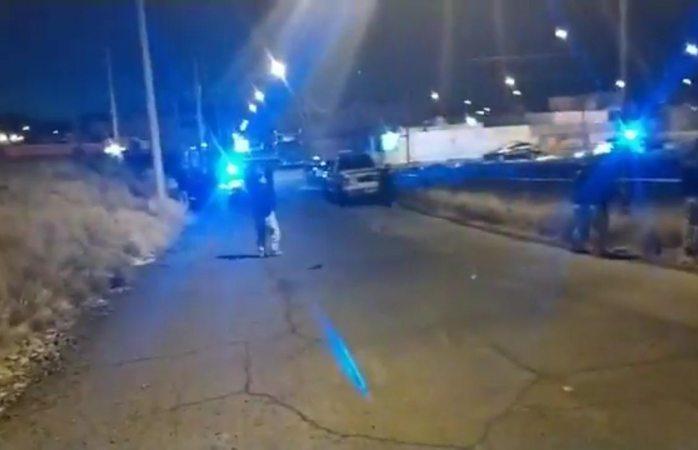 Caen dos mujeres por disparar a policías