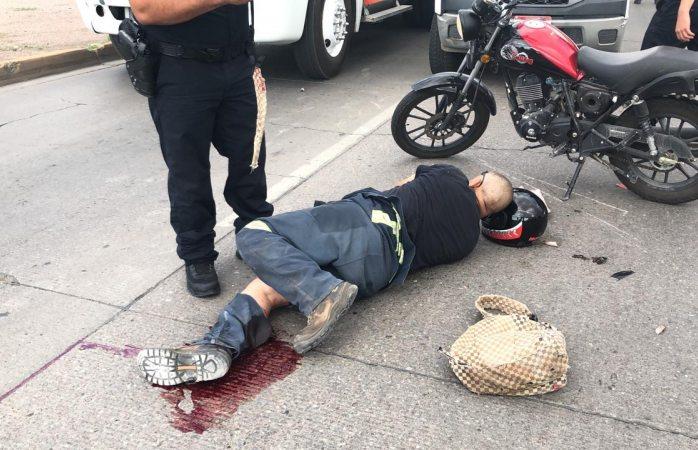 Se da a la fuga luego de atropellar a motociclista