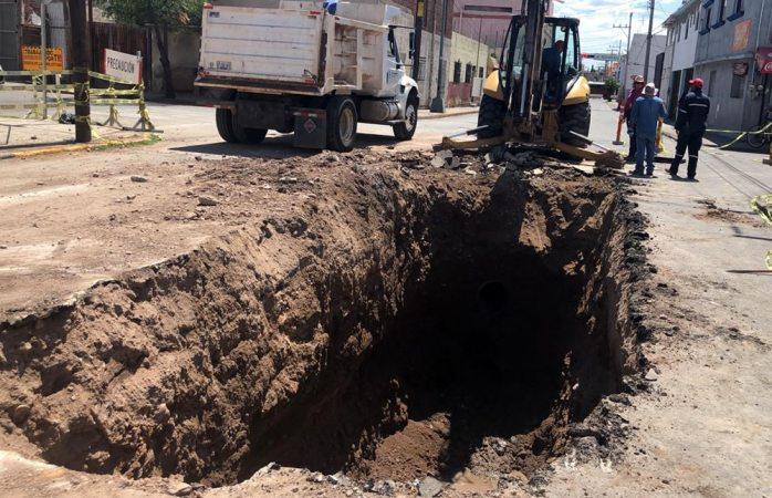 Hundimiento fue provocado por colapso del drenaje