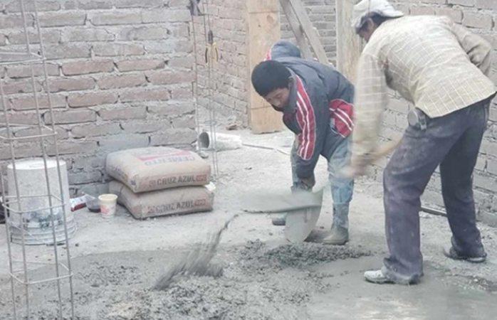Niño albañil cuenta con promedio de 9.7 y sueña con ser arquitecto