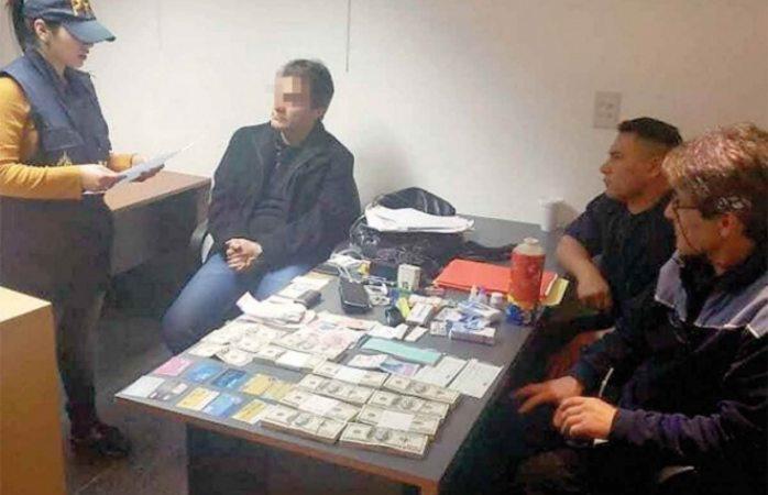 Liberan a Carlos Ahumada después de ser detenido dos días en Argentina