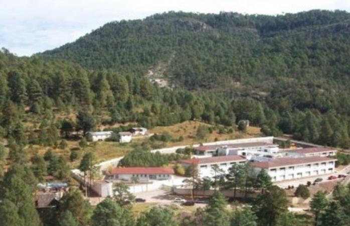 Hacen paro de labores en Hospital de Guadalupe y Calvo por pésimas condiciones