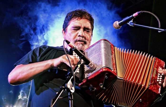 Muere Celso Piña