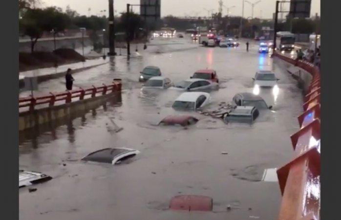 Fuerte lluvia en Monterrey deja inundadas las calles