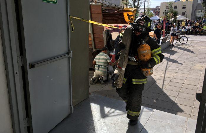 Realizan bomberos competencia estatal de velocidad y fuerza