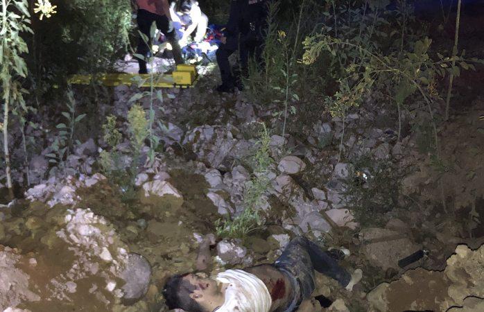 Mueren dos y quedan dos heridos de gravedad en volcadura