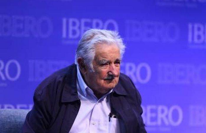Mujica califica de disparate idea de Trump de nombrar terroristas a cárteles