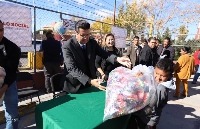 Encabeza presidente municipal entrega simbólica de 25 mil bolos