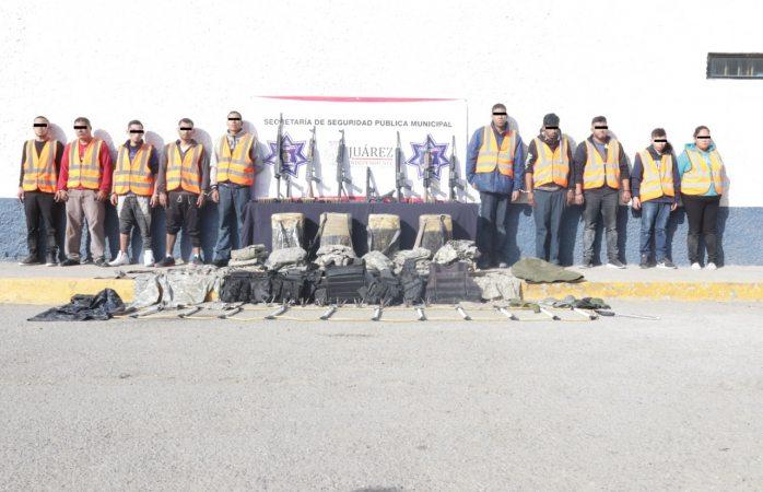 Aseguran arsenal y detención de 11 presuntos sicarios integrantes de mexicles