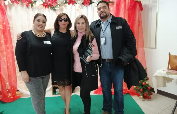 Entrega empresa foxconn reconocimiento a desarrollo social