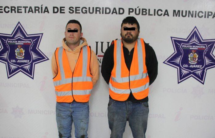 Detienen agentes municipales a dos por robo de combustible