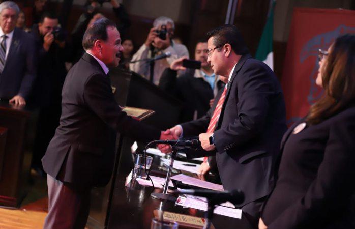 Recibe Alejandro Hernández Cárdenas Presea Fray García de San Francisco