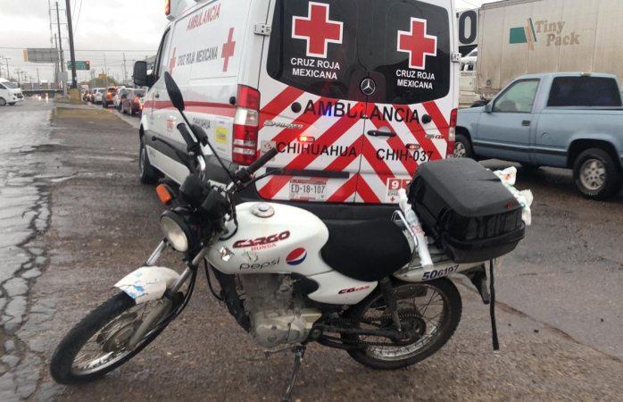 Se impacta motociclista en avenida de las industrias
