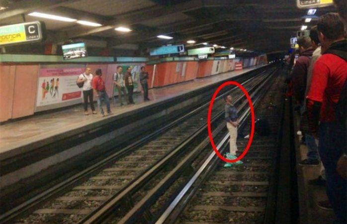 Borracho avienta a policía a las vías del metro en la cdmx