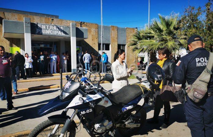 Toman áreas administrativas del ISSSTE Delicias; se movilizan policías
