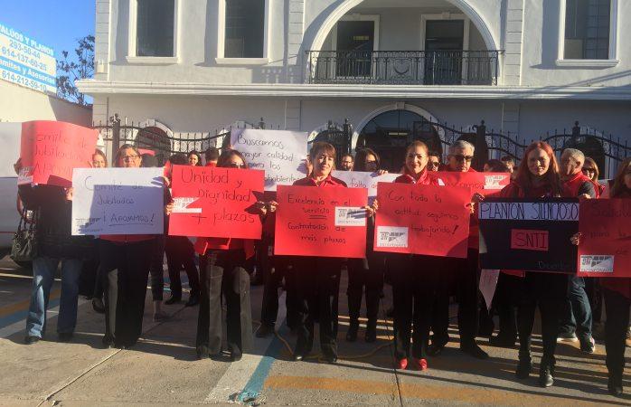 Protestan en silencio sindicalizados de infonavit