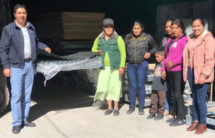 Entregan láminas en Guadalupe y Calvo