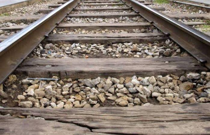 Muere hombre arrollado por en tren