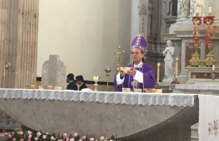 Llama arzobispo a reflejar el evangelio con obras