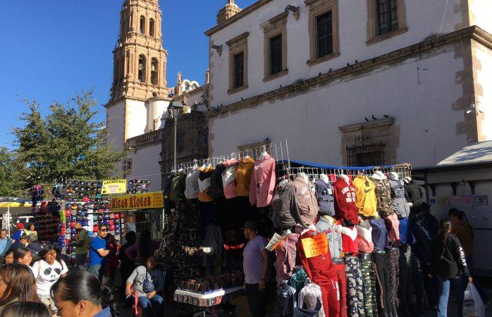 Invaden comerciantes ambulantes puntos en el centro