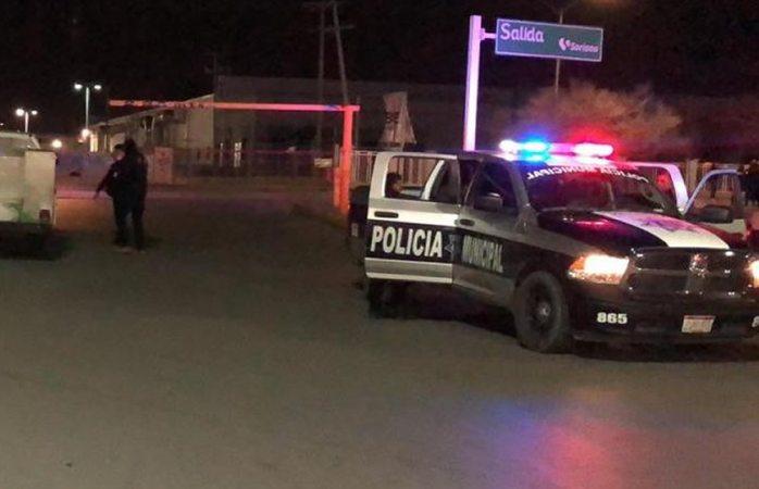 Video: deja balacera un policía y un civil lesionados en Juárez
