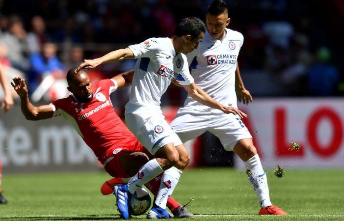 Salva Adrián Mora el empate de toluca ante cruz azul