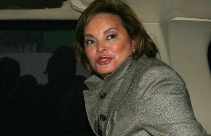Elba Esther vende en EU dos mansiones en casi 8.5 mdd