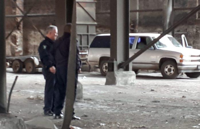 Aseguran vehículo abandonado por los atacantes