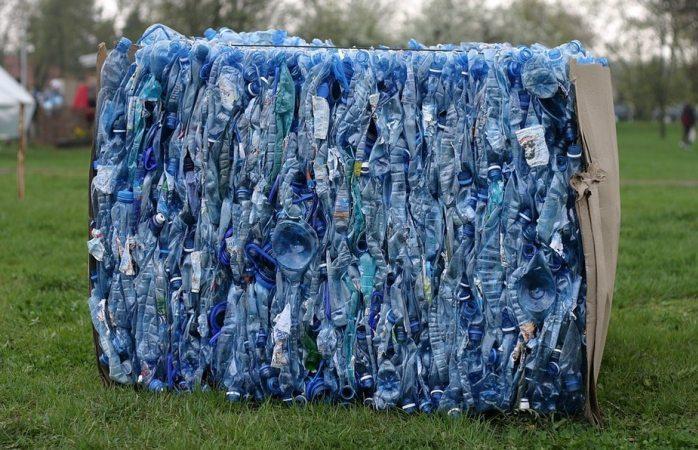 Convierten científicos plástico reciclado en gasolina