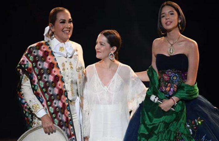 Brillan Ángela Aguilar, Aída Cuevas y Natalia Lafourcade en los Grammy