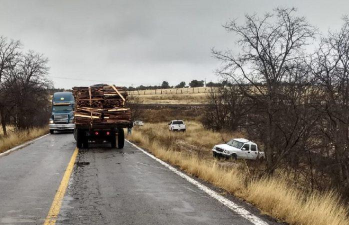 Muere funcionario de sagarpa en choque en carretera a La Junta