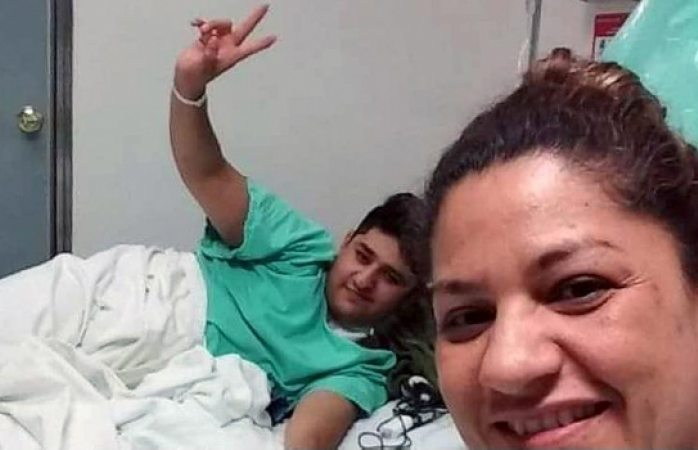 Madre dona a su hijo un riñón para salvarlo en Baja California Sur