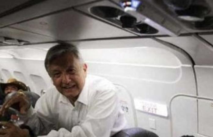 Azafata dice que amlo provoca desorden en vuelos comerciales
