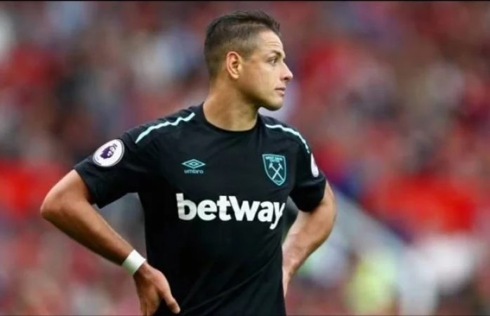 Chicharito anota su gol 50 en la Premier League