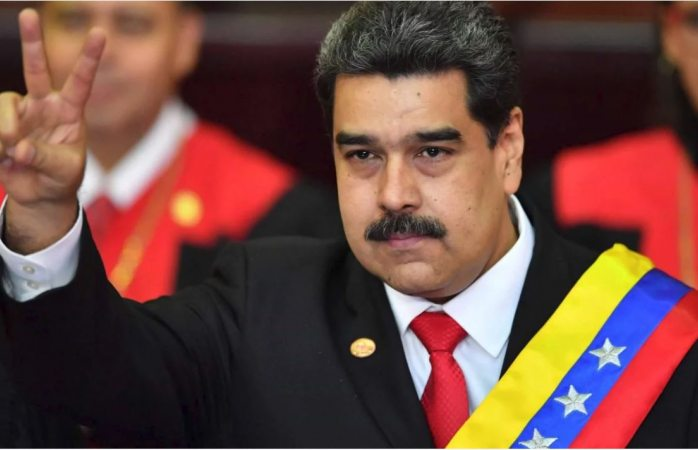Grita Maduro viva México en su toma de protesta