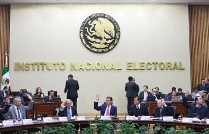 Buscan 14 organizaciones convertirse en partidos político