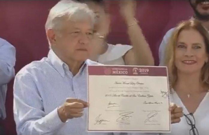 Amlo firma decreto que hace de 2019 el año de Emiliano Zapata